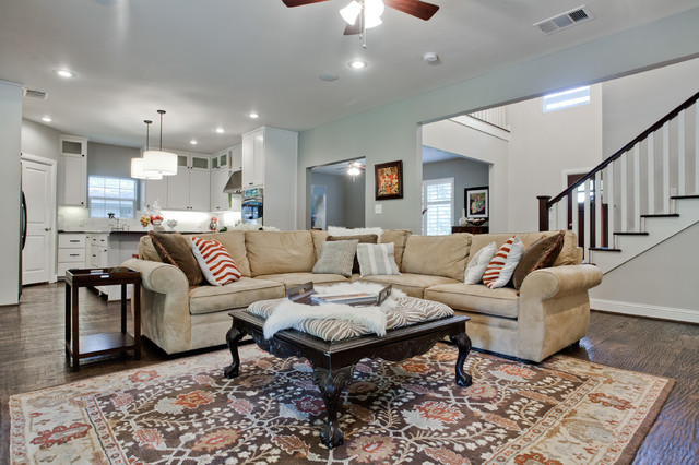 Broyhill Sofa Family Room Transitional with Area Rug Ceiling Lighting