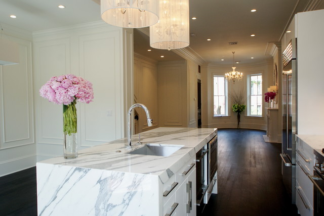 Calcutta Marble Kitchen Modern with Brownstone Ceiling Lighting Crown