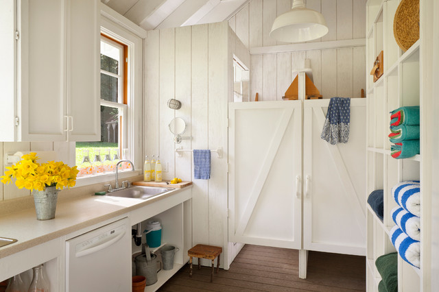 Cubicle Shelves Kitchen Farmhouse with Barn Lamp Daffodils Deck