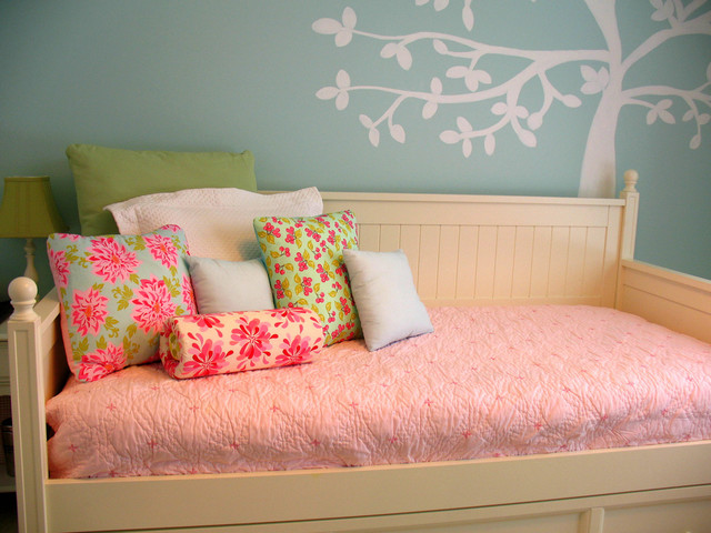Daybed with Trundle Kids Traditional with Bedroom Daybed Decorative Pillow