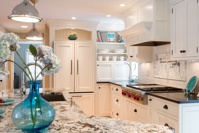 Delicatus Granite Kitchen Traditional with Antique Granite Black Countertop