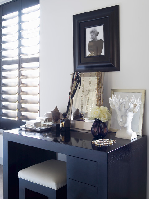 dressing table vanity Bedroom Contemporary with CategoryBedroomStyleContemporaryLocationLondon