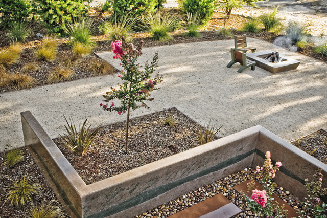 Drought Resistant Landscaping Landscape Contemporary with Garden Wall Geometric Geometry