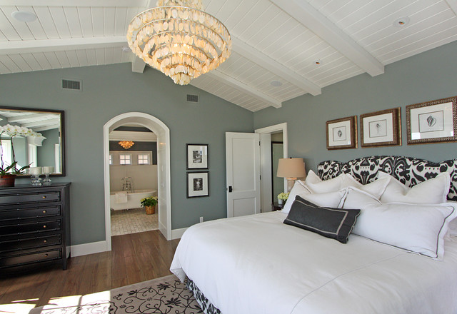 dunn edwards paint colors Bedroom Traditional with arched doorway area rug