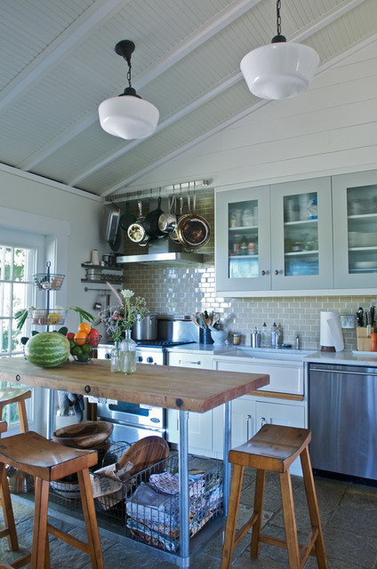 Frying Pans Spaces Farmhouse with Categoryspacesstylefarmhouselocationother Metro