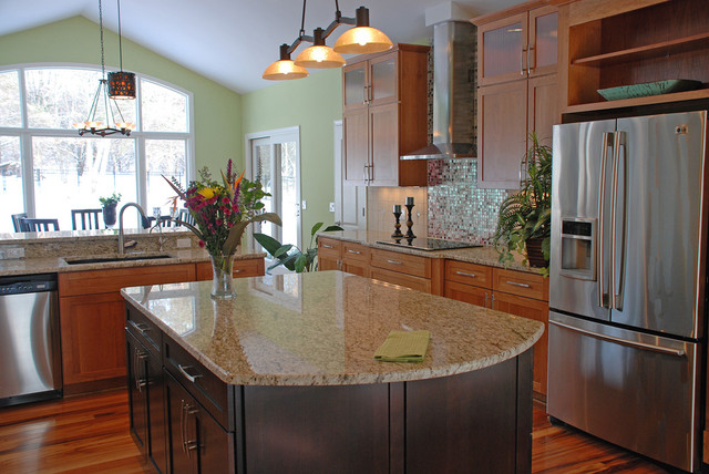 giallo ornamental Kitchen Contemporary with appliances backsplash double islands