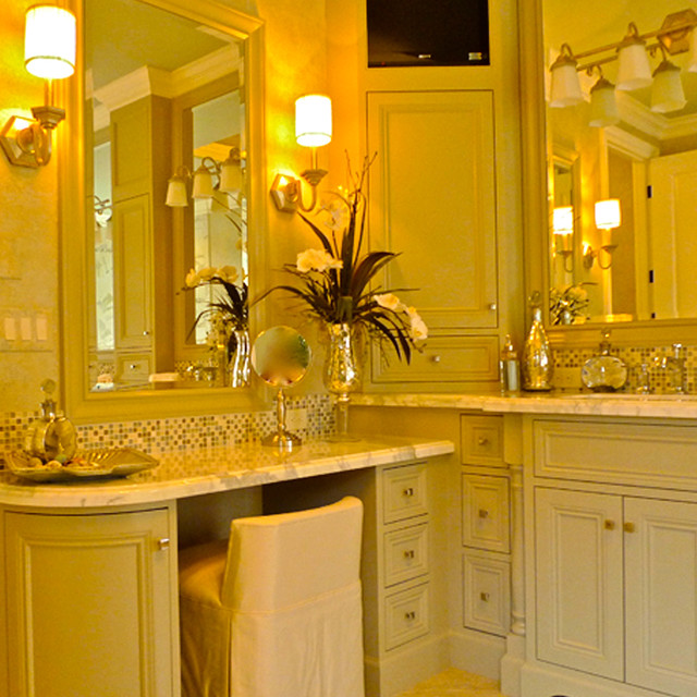 Pahlisch Homes Bathroom Traditional with Paula Deen