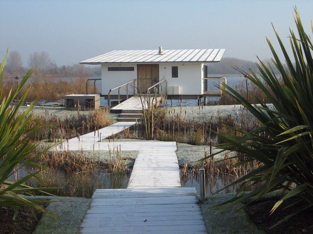reeds ferry sheds Exterior Midcentury with AR Ramus Architecture England