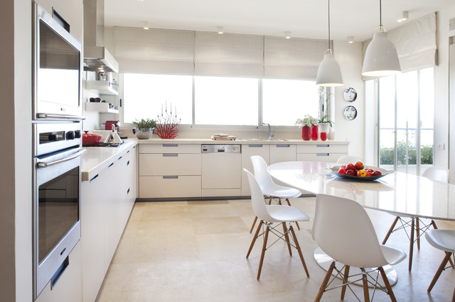 Saarinen Table Kitchen Modern with Bell Pendant Lights Ceiling