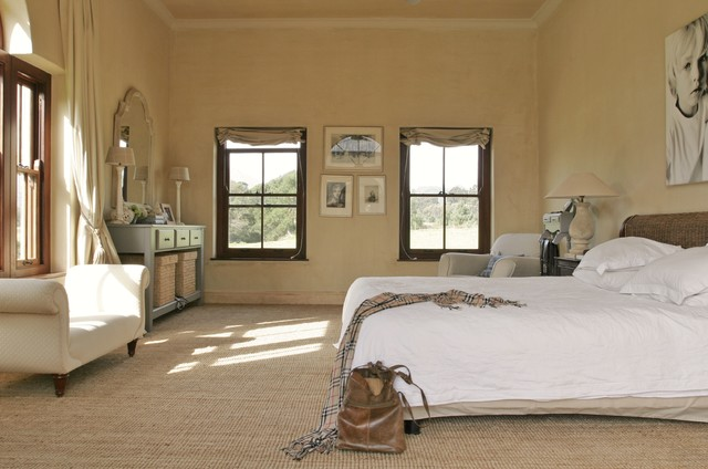 sisal carpet Bedroom Farmhouse with bench carpet chaise console
