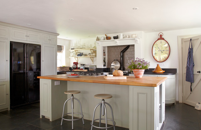 Slate Refrigerator Kitchen Farmhouse with Aga Over Mantel Bar