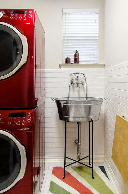 Slop Sink Laundry Room Traditional with Extendable Faucet Freestanding Sink