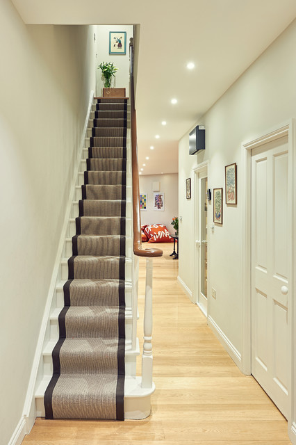 Stair Runner Staircase Traditional with Banister Hallway Lighting Hallway1