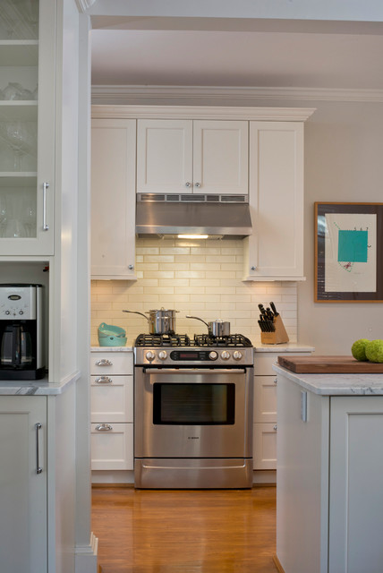 Stove Hoods Kitchen Traditional with Aidan Design Alpine White