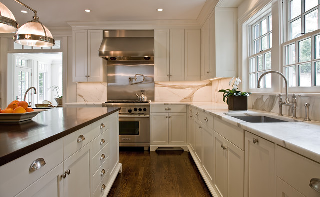 topknobs Kitchen Traditional with ceiling lighting crown molding
