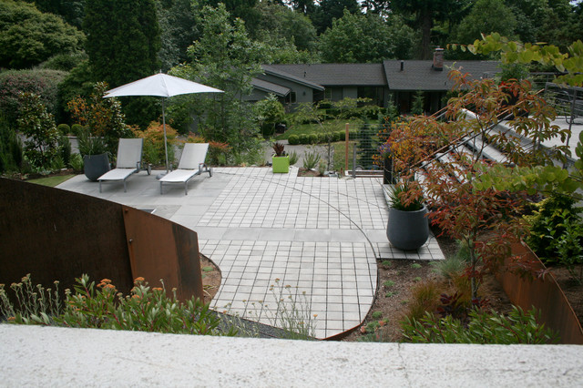Tuuci Umbrella Landscape Contemporary with Container Curve Hardscape Kangaroo