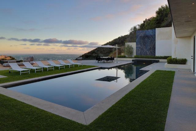 Tuuci Umbrella Pool Contemporary with City View Glass Railing