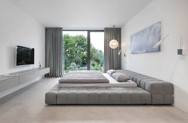 upholstered platform bed Bedroom Contemporary with Fernseher flachbildfernseher gesteppt gray