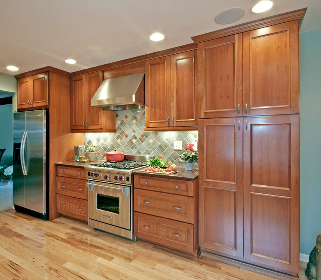 Zodiaq Quartz Kitchen Traditional with Applied Panel Ceiling Speakers