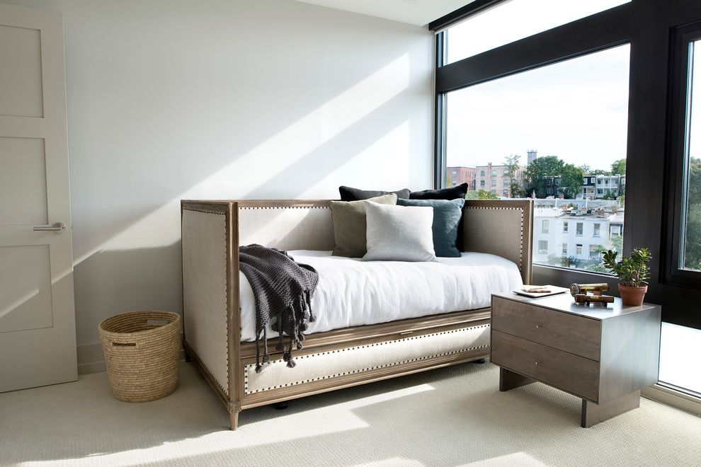 Modern Daybed with Trundle  for Transitional Bedroom and Bedding