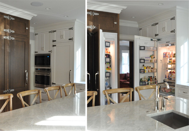 18x24 Frame Kitchen Traditional with Integrated Thermador Freedom Column