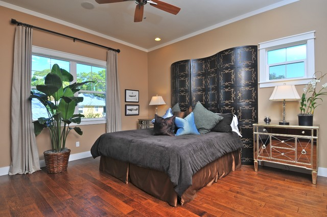 bassett mirror Bedroom Eclectic with baseboards bedside table crown
