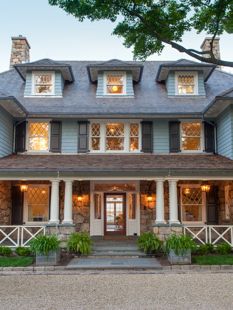 Benjamin Moore Exterior Paint Exterior Victorian with Black Paneled Shutters Black