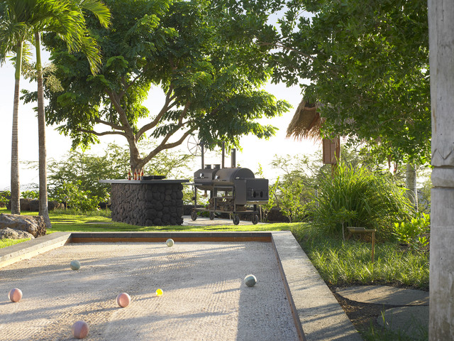 Bocce Court Landscape Tropical with Barbecue Bocce Ball Bocce