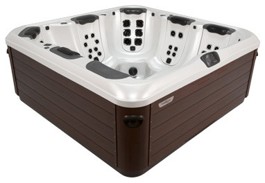 Bullfrog Spas Patio Modern with 7 Person Hot Tub