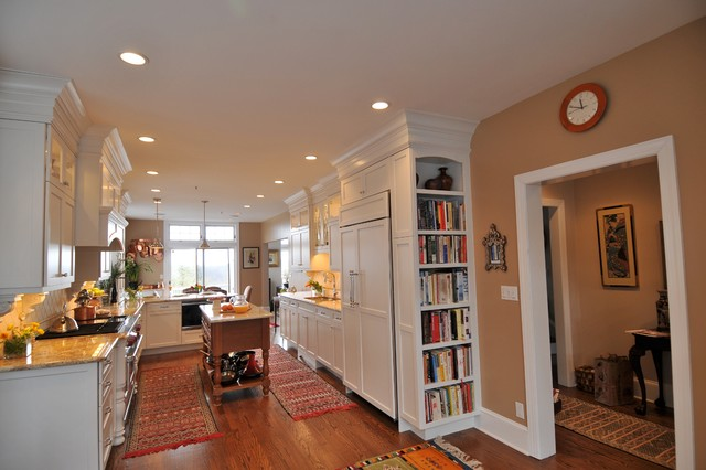 Canyon Creek Cabinets Kitchen Traditional with Baseboards Bookshelves Ceiling Lighting
