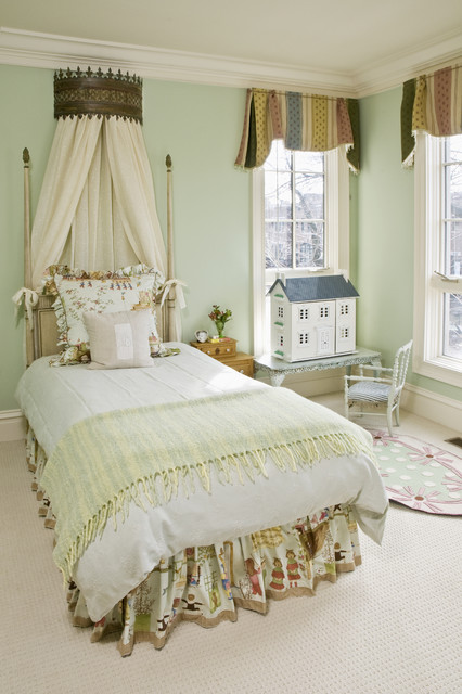 Carpet Weavers Kids Traditional with Antique Headboards Bed Skirt