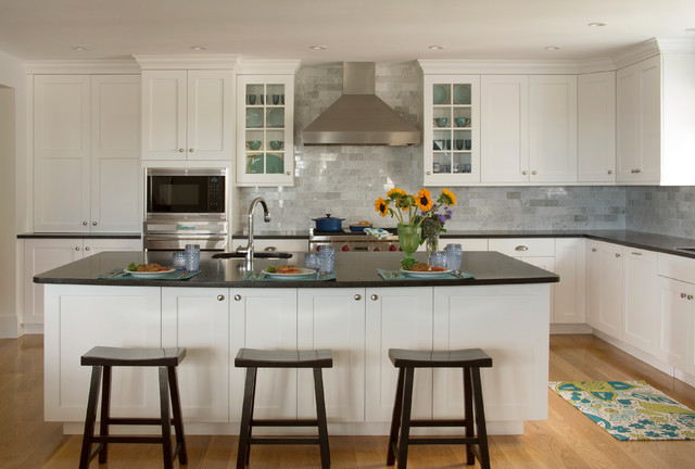 Carrara Marble Tile Kitchen Traditional with Categorykitchenstyletraditionallocationboston