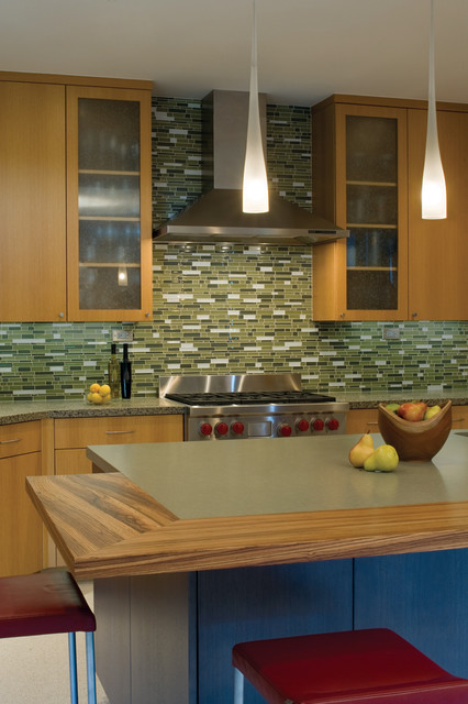 Champagne Flute Kitchen Modern with Counter Stools Flush Cabinets