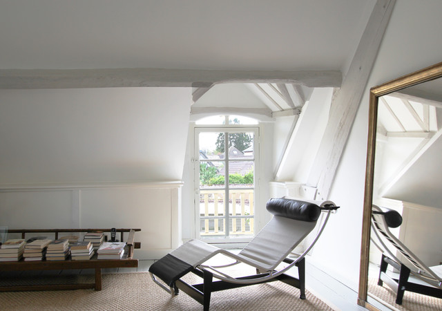 Clark and Kensington Paint Bedroom Farmhouse with Blanc Bois Campagne Chaise