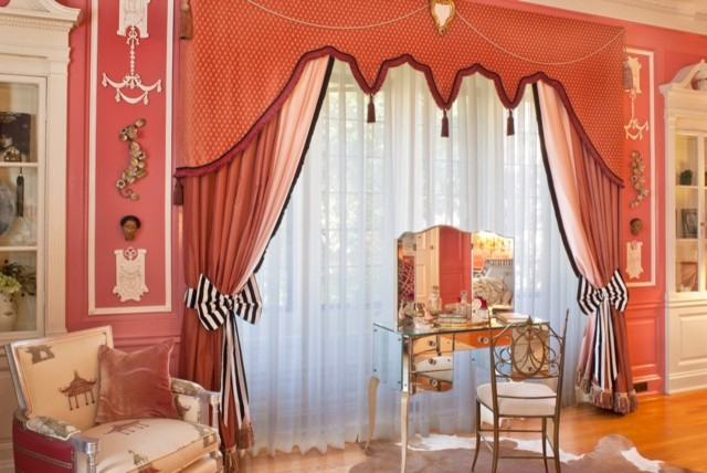 Clawfoot Tubs Bedroom Eclectic with Crown Molding Decorative Pillows