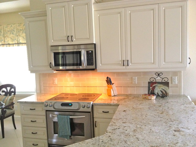 Colonial Cream Granite Kitchen Traditional with Categorykitchenstyletraditionallocationmiami 1