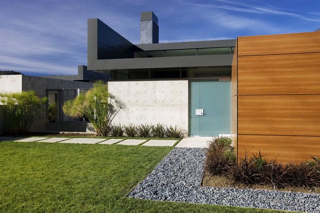 concrete stepping stones Exterior Modern with concrete panels concrete stepping