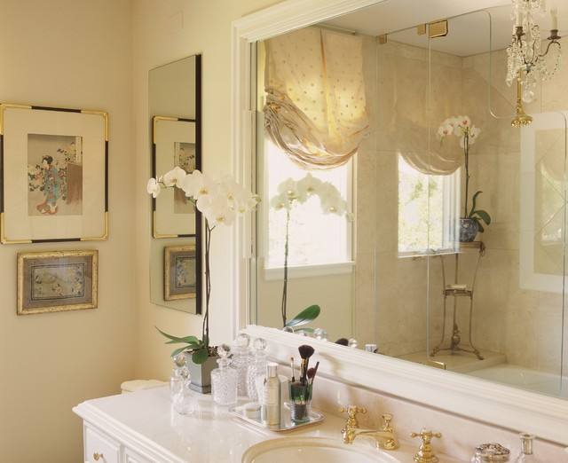 Crema Marfil Marble Bathroom Traditional with Balloon Shades Bath Accessories