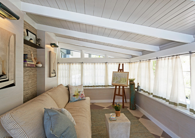 curtain rod holders Family Room Traditional with CategoryFamily RoomStyleTraditionalLocationLos Angeles