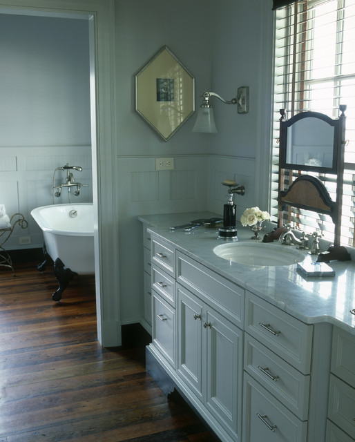 Decora Cabinets Bathroom Traditional with Bath Claw Foot Tub