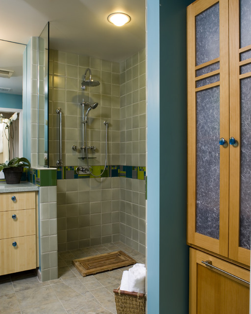 doorless shower Bathroom Contemporary with accent tile basket bathmat