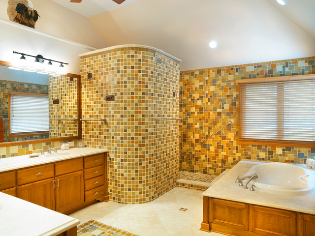 Doorless Shower Bathroom Traditional with Blinds Curved Wall Frame