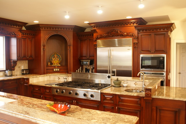 Downdraft Gas Range Kitchen Traditional with Ceiling Lighting Kitchen Island