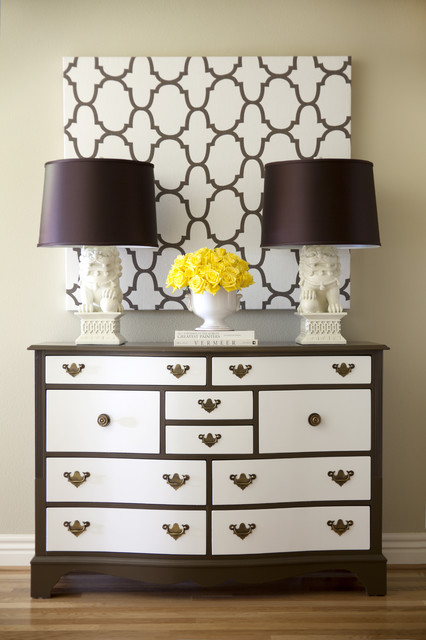 Drawer Fronts Bedroom Traditional with Baseboards Chest of Drawers