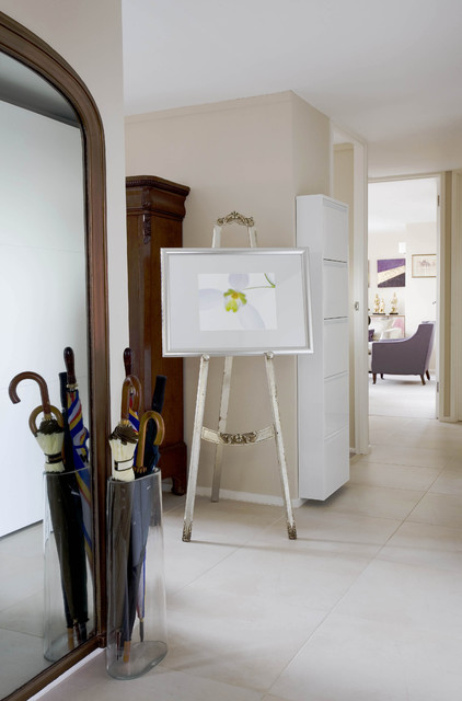 Drawing Easel Hall Eclectic with Beige Walls Easel Mirror