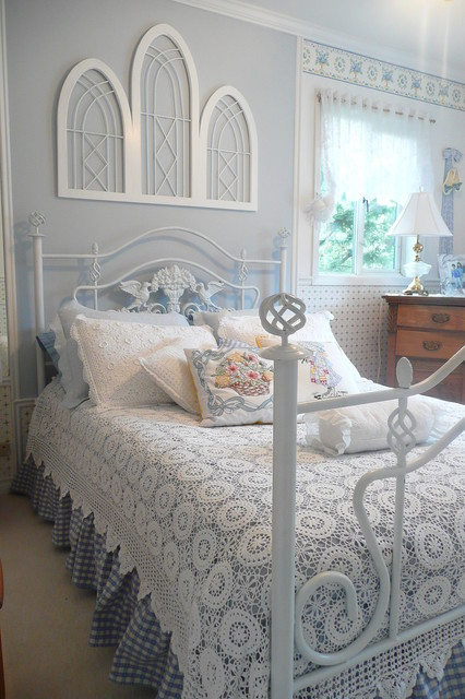 dust ruffles Bedroom Shabby-chic with blue wall coverlet crochet