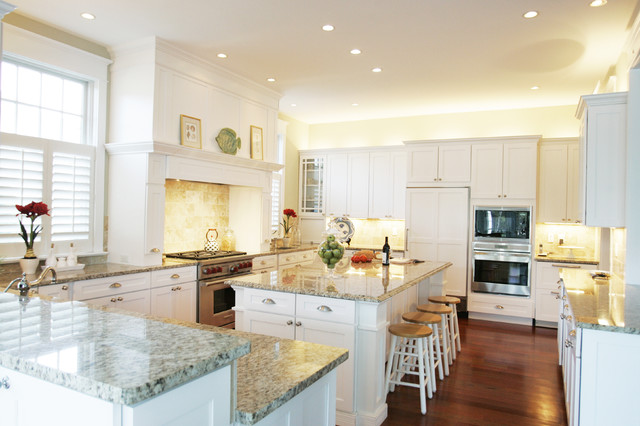 Giallo Ornamental Kitchen Traditional with Breakfast Bar Cabinet Front