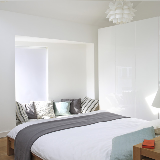 Hideabed Bedroom Contemporary with Bay Window Closet Decorative1