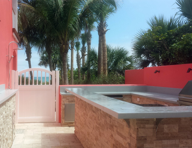 Hoover Fence Patio Beach with Chesterfield Convex Pvc Gate