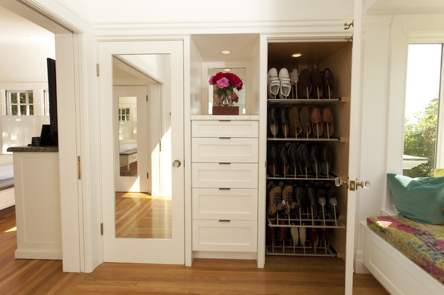 ikea shoe rack Bathroom Traditional with built-in drawers glass doorknobs